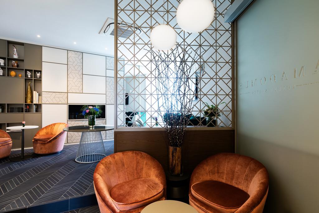 Amadomus Luxury Suites Naples
