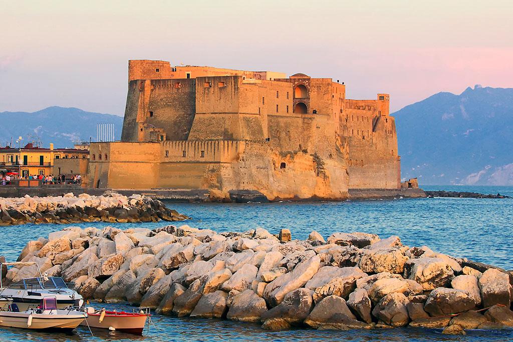 Castel dell'Ovo Naples