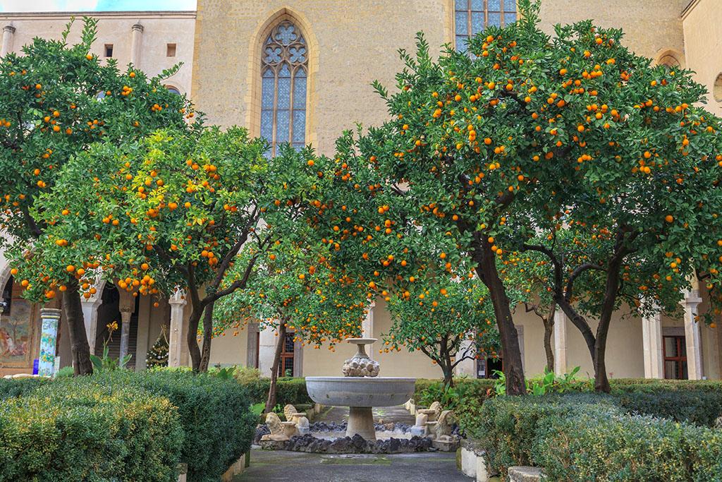 Cloître Santa Chiara Naples