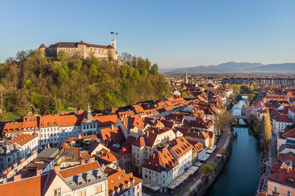 Château et ville médiévale